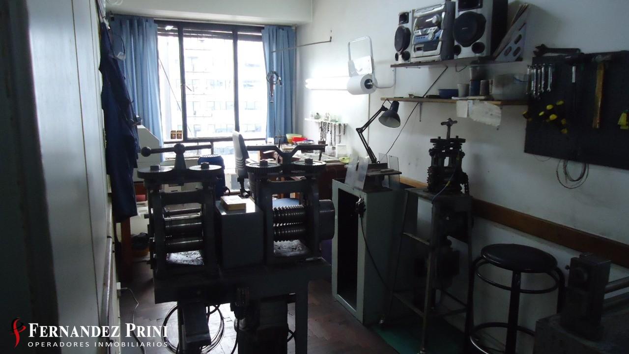 Sarmiento 1179, 1 Room Rooms,1 BañoBaños,Oficina,Venta,Sarmiento 1179,7,1034