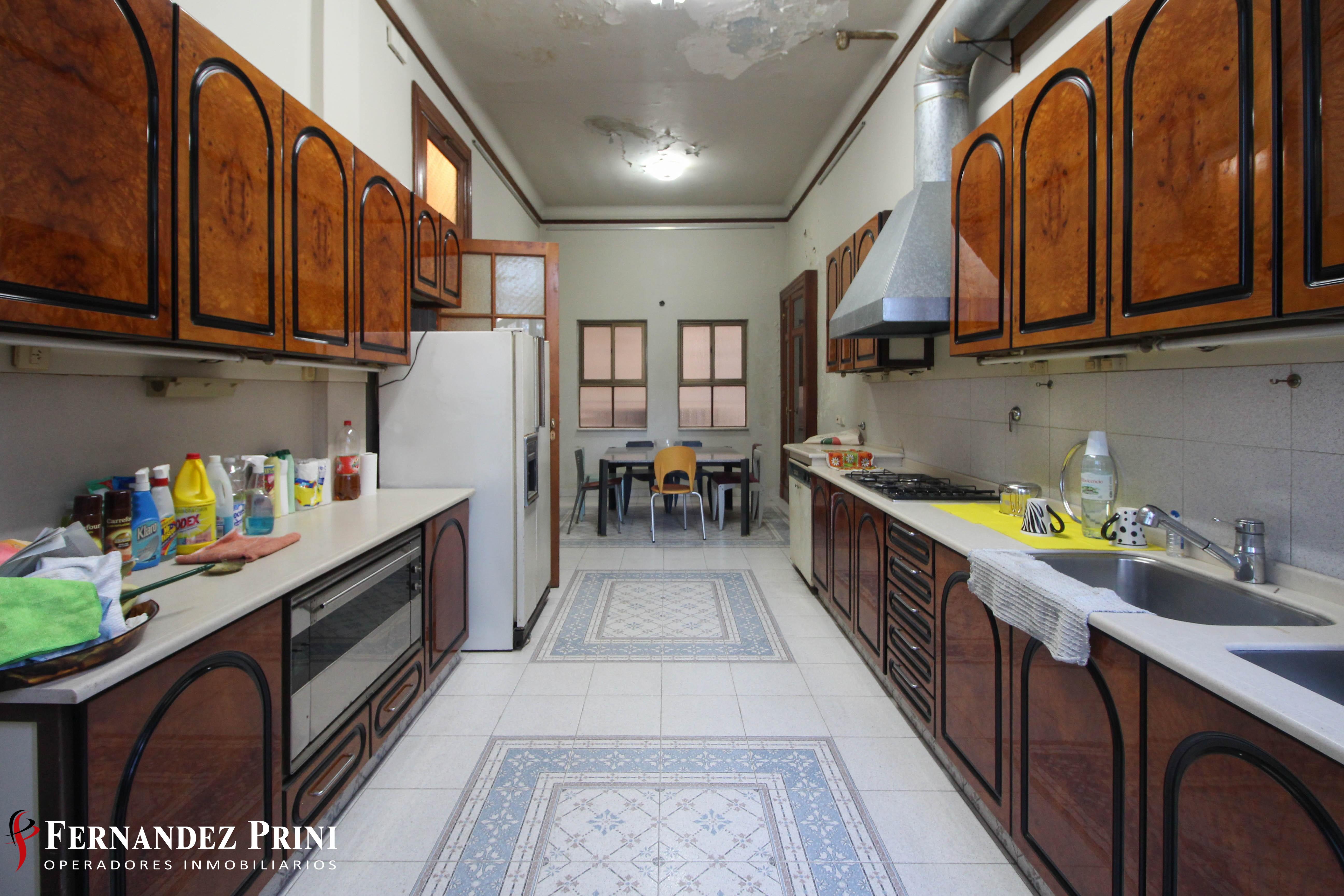 Salta 1039, 5 Habitaciones Habitaciones, 6 Ambientes Ambientes,3 BañosBaños,Departamento,Venta,Salta 1039,1,1088